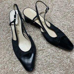 Chanel black vintage heels